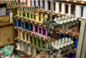 軸糸を編むための糸を撚る